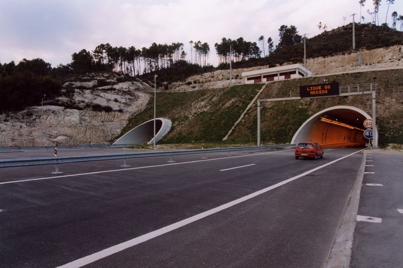 Double road tunnel EN2, Castro d'Aire