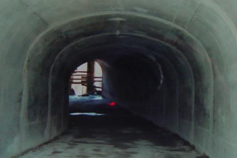Tunnel d'accès au parking des galeries commerciales El Corte Inglés, Lisboa