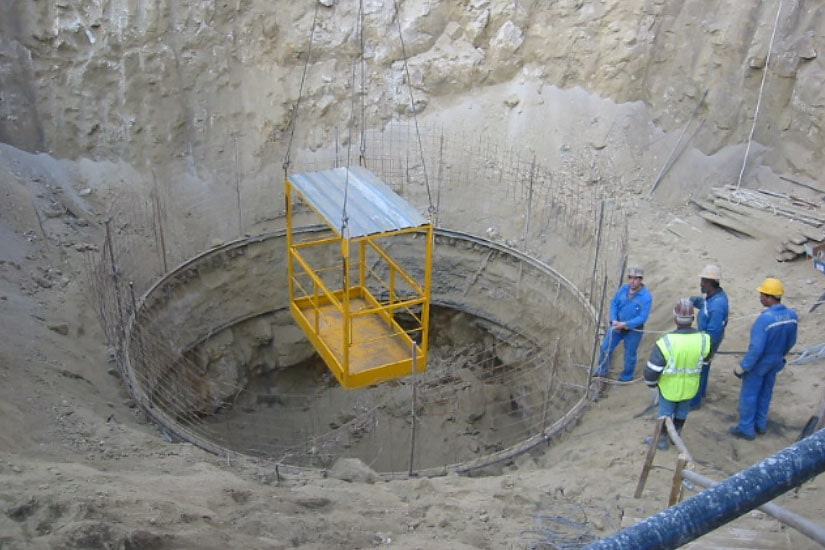 Excavation of the Loading Tunnel and the Surge Tank of Arroibar Power Station, in River Lérez, Pontevedra