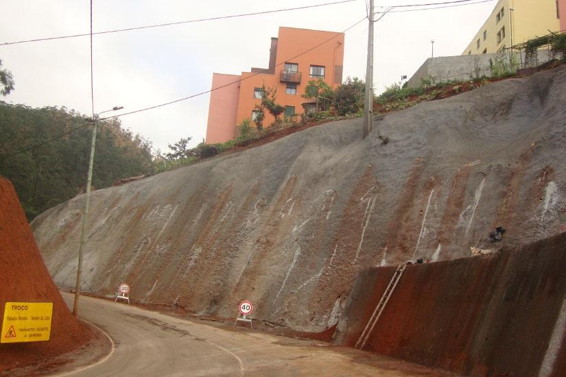 Reconstruction de la route ER 201